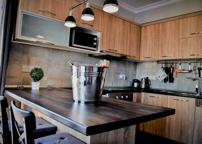 Kjøkkenøy med spiseplass for fire